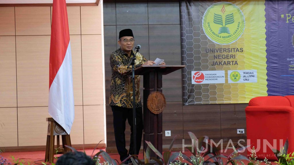 Menteri Pendidikan dan Kebudayaan RI Menjadi Keynote Speaker Dalam Seminar Pendidikan UNJ