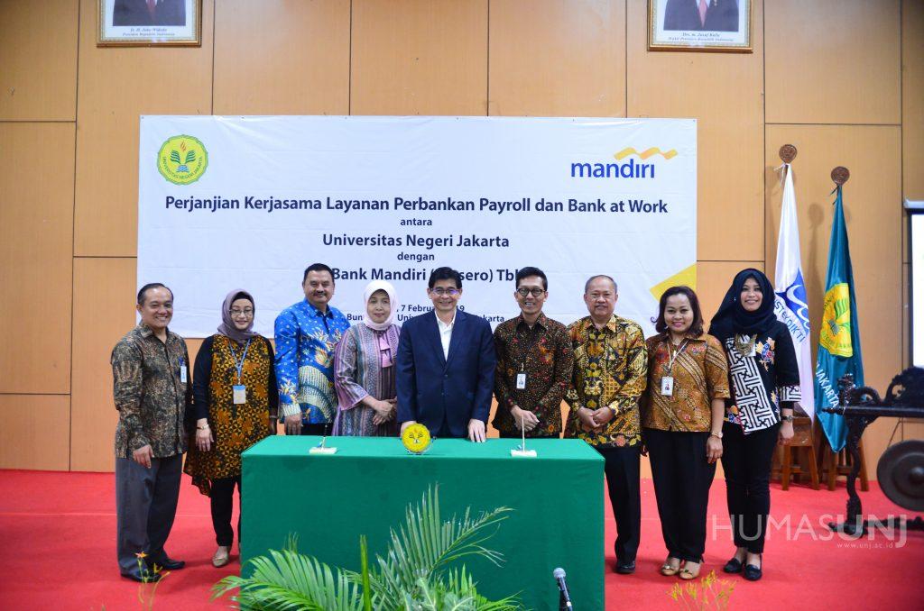 Pemberian Beasiswa sekaligus Apresiasi Atlet Asian Games 2018 dalam Perjanjian Kerjasama Lanjutan UNJ dengan PT. Bank Mandiri (Persero) Tbk