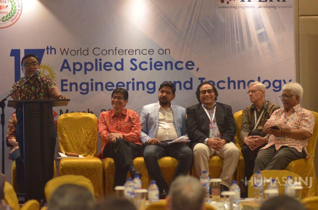 Preparing Higher Education in Facing the Industrial Revolution 4.0 Era