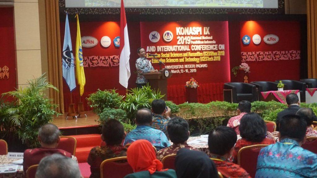UNJ Ikut Sukseskan KONASPI IX di UNP Padang
