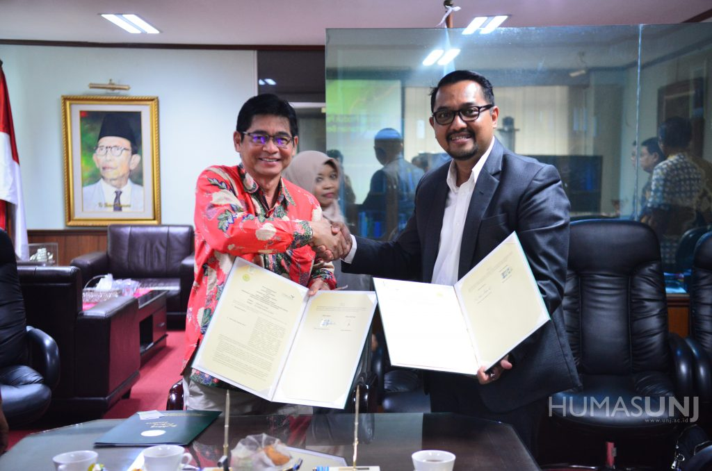 The MoU of Universitas Negeri Jakarta with Croplife to Educate the Public about Food Protection Technology