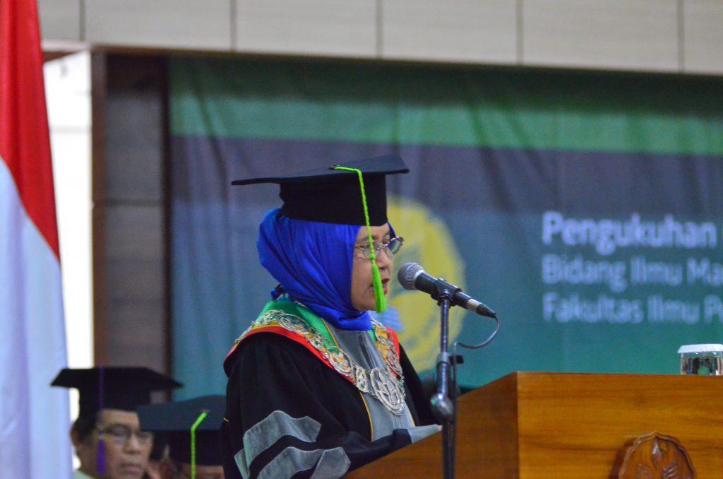 Pengukuhan Prof. Dr. Ir. Arita Marini, M.E