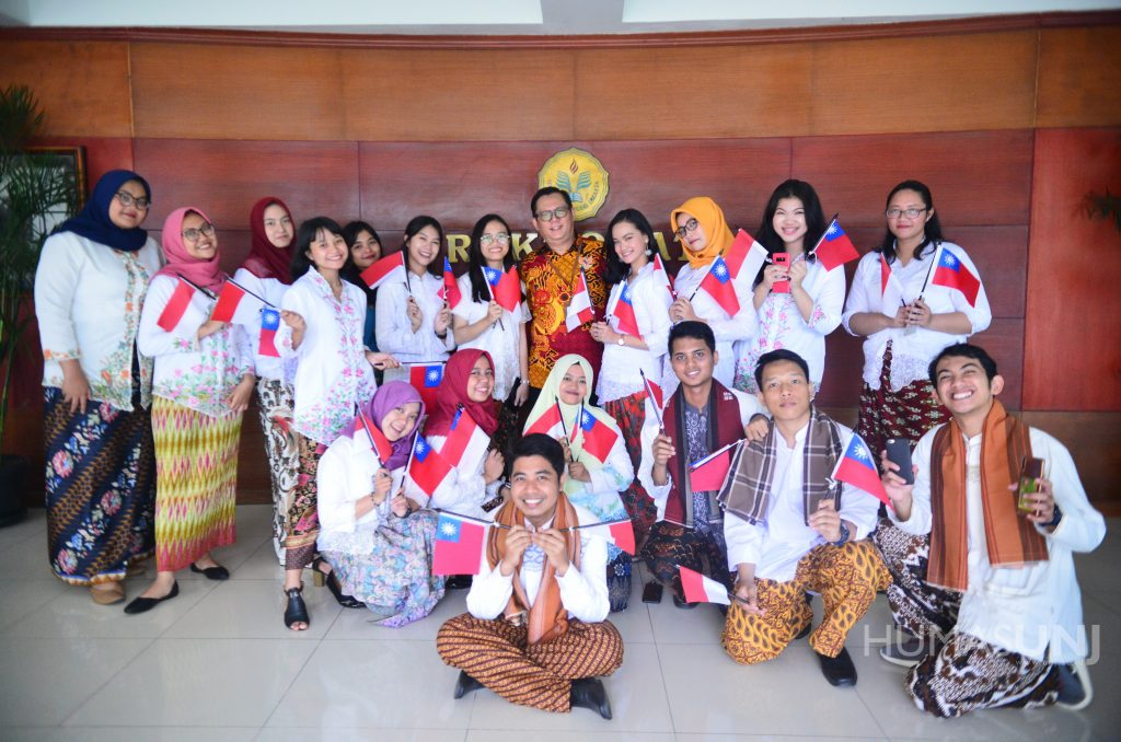 UNJ Students Join The Asia University Summer Program in Taiwan