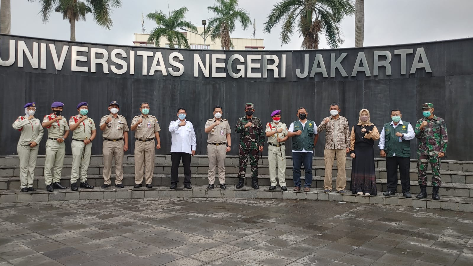 Resimen Mahasiswa UNJ bersama Kodam Jaya Gelar Vaksinasi Massal, Riza Patria : Semoga Memepercepat Health Immunity Masyarakat, dan Target Vaksinasi DKI Jakarta Bisa Tercapai